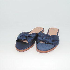 A.N.D EA WY Satin Navy Bow Sandals Sz 7